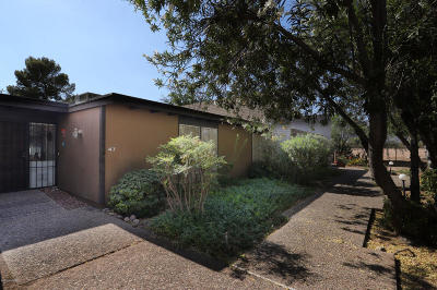 Pima County, Pinal County Townhouse For Sale: 5701 E Glenn Street #47
