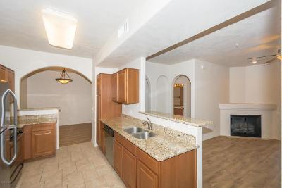 Tucson Condo For Sale: 2550 E River Road #1105