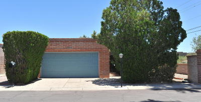 Pima County Townhouse For Sale: 4202 N Limberlost Place