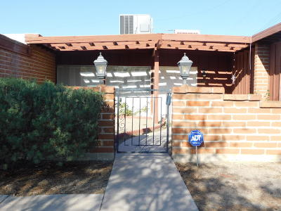 Tucson AZ Single Family Home For Sale: $180,000