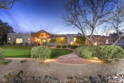 Single Family Home Active Contingent: 2863 N Calle Ladera
