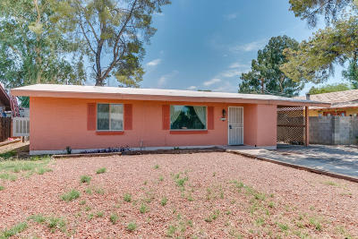 Single Family Home Active Contingent: 5744 E 2nd Street