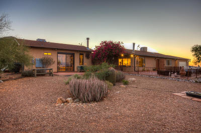 Tucson Single Family Home Active Contingent: 7225 W El Camino Del Cerro