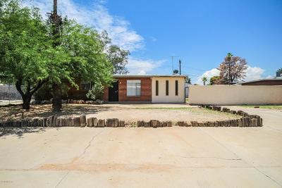 Single Family Home For Sale: 6426 E Calle Herculo