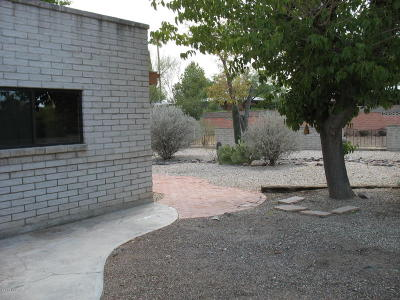 Green Valley Single Family Home Active Contingent: 946 S La Huerta