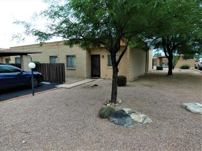 Pima County Townhouse For Sale: 831 S Pantano Parkway