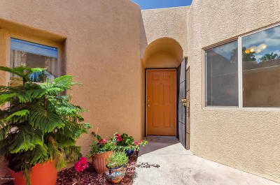 Pima County Townhouse For Sale: 647 W Millbrook Lane
