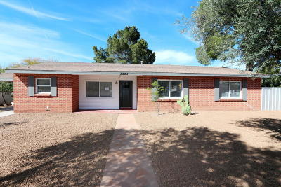 Tucson Single Family Home Active Contingent: 3325 E Hawthorne Street