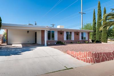 Tucson Single Family Home Active Contingent: 7900 E Victoria Drive