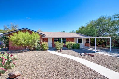 Pima County Single Family Home Active Contingent: 2542 E Hedrick Drive