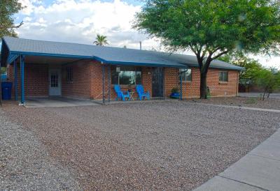 Tucson Single Family Home Active Contingent: 2802 E La Cienega Place