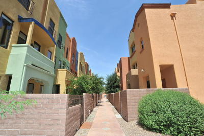 Tucson Townhouse Active Contingent: 2420 E Emerald Moon Drive