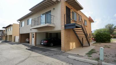 Pima County Townhouse For Sale: 1937 N Camino Serna #D
