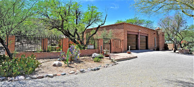 Tucson Single Family Home Active Contingent: 5830 E Calle Del Ciervo