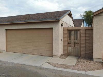 Townhouse For Sale: 2470 N Palo Dulce Drive