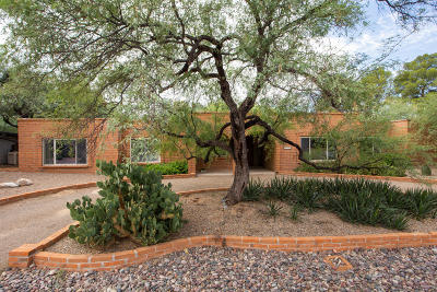 Tucson Single Family Home Active Contingent: 7310 E Calle Cabo