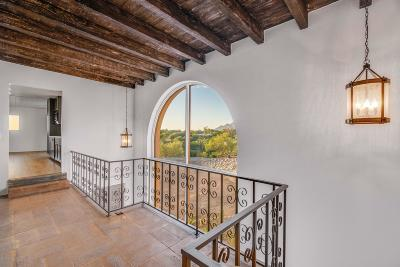 Single Family Home Active Contingent: 4900 N Camino Arenosa