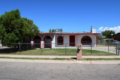 Single Family Home For Sale: 218 W Calle Antonia