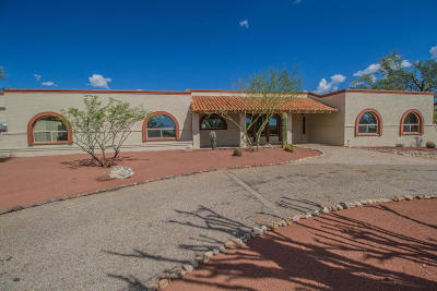 Single Family Home Active Contingent: 2710 N Paseo Tierra Verde