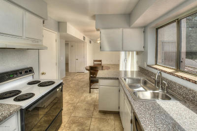 Pima County Townhouse Active Contingent: 171 N Brown Avenue