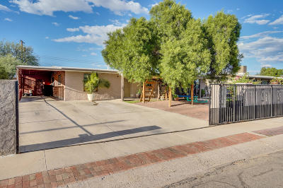 Single Family Home For Sale: 134 W Calle Antonia