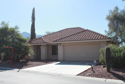 Oro Valley Single Family Home For Sale: 1321 W Sandtrap Way