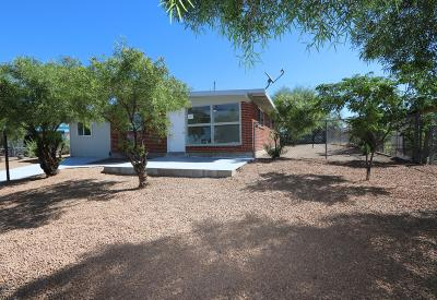 Tucson Single Family Home For Sale: 3957 E Dover Sv Stravenue E