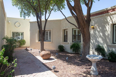 Oro Valley Townhouse Active Contingent: 9949 N Calle Loma Linda