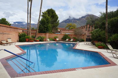 Oro Valley Townhouse Active Contingent: 60 E Silverado Place