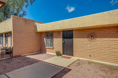 Pima County Townhouse For Sale: 630 S Pantano Road #C