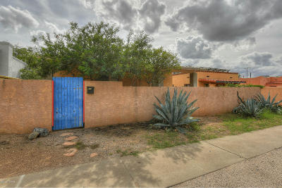 Single Family Home For Sale: 2726 E 6th Street