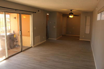 Pima County, Pinal County Condo For Sale: 2601 W Broadway Boulevard #P298