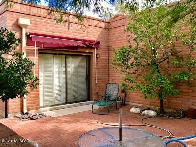 Pima County Townhouse For Sale: 1850 W Dalehaven Circle