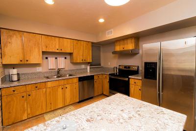 Tucson AZ Single Family Home For Sale: $200,000