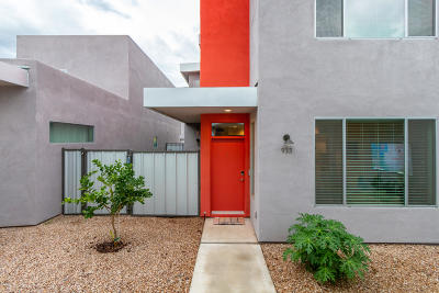 Single Family Home Active Contingent: 933 E Park Modern Drive