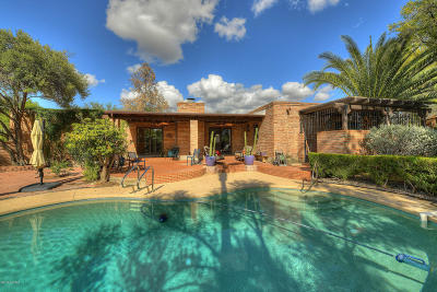 Single Family Home For Sale: 6240 N Camino Miraval