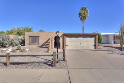 Green Valley Single Family Home Active Contingent: 1276 N Via Vicam