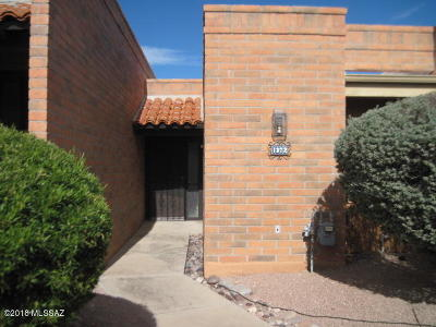 Green Valley Townhouse For Sale: 1372 W Desert Hills Drive