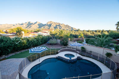 Oro Valley Single Family Home Active Contingent: 727 W Annandale Way