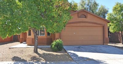Tres Pueblos (1-595) Single Family Home Active Contingent: 2192 E Calle Arroyo Lindo