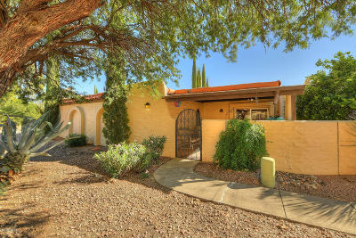 Green Valley Townhouse Active Contingent: 734 W Calle Del Regalo