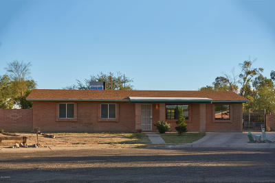 Pima County Single Family Home Active Contingent: 5531 S Oakleaf Drive