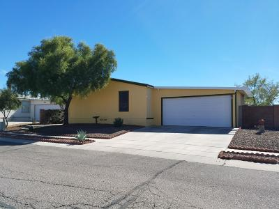 Pima County Manufactured Home Active Contingent: 6120 E Thunder River Drive