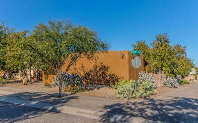 Tucson Single Family Home Active Contingent: 10419 E Roylstons Lane