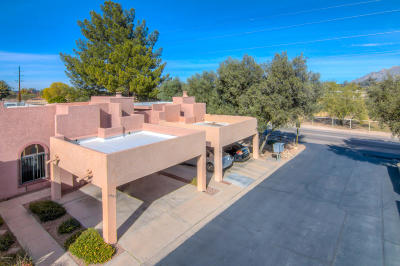 Pima County Townhouse Active Contingent: 3985 Roger Lane