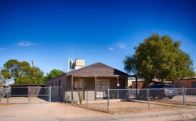 Residential Income For Sale: 2509-2511 E Cameron Vista