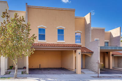 Sahuarita Townhouse For Sale: 18870 S Esherton Drive