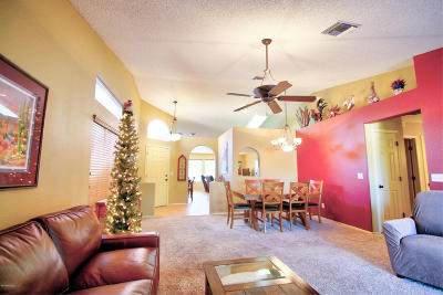 Single Family Home Active Contingent: 3034 W Sky Ranch Trail