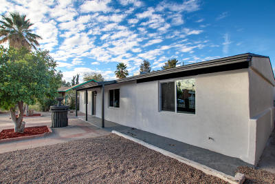 Single Family Home Active Contingent: 4943 E 2nd Street