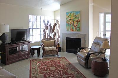 Tucson Condo For Sale: 6445 N Tierra De La Catalinas #56